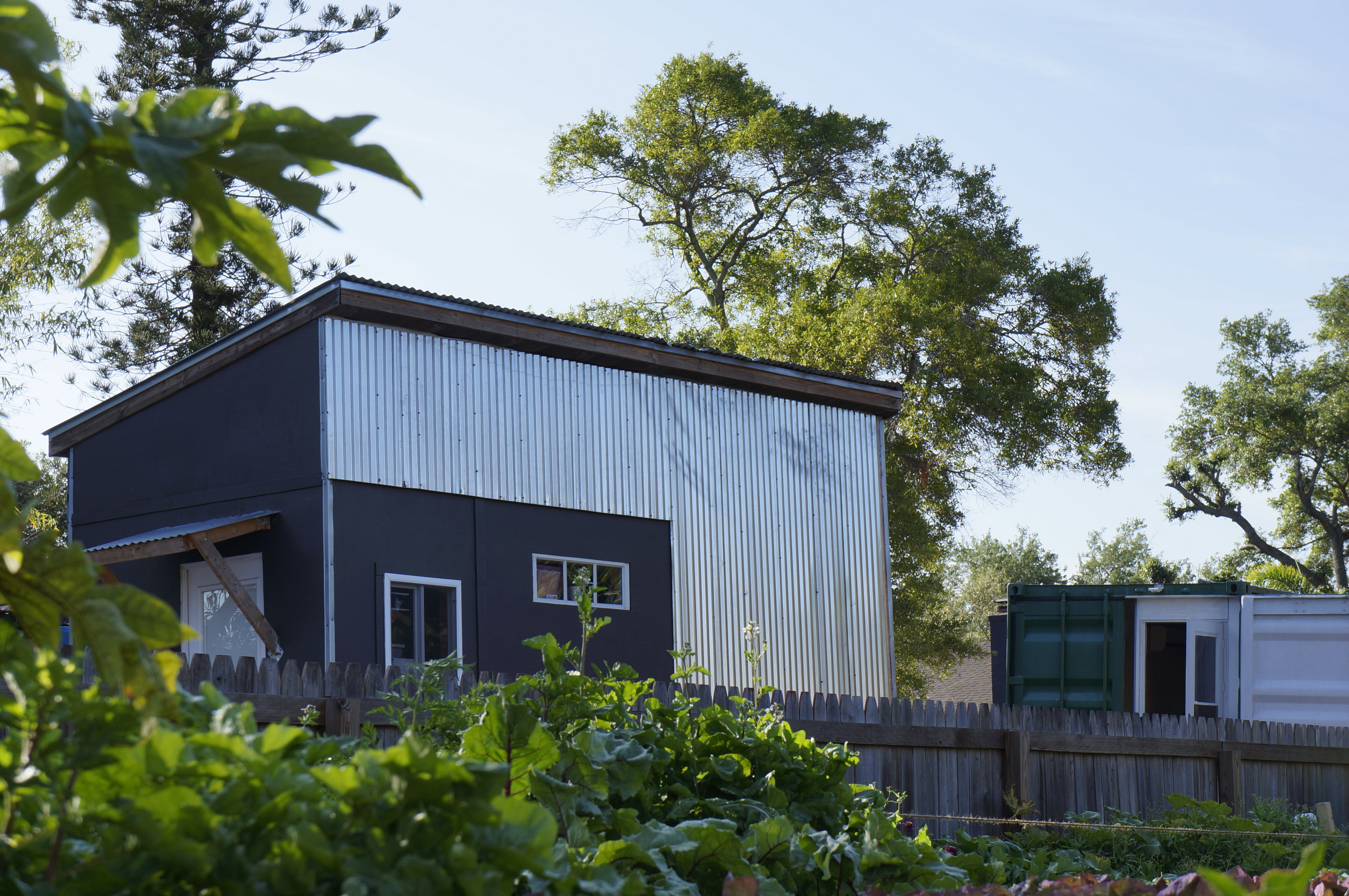 Tiny house zoning and building codes tampa bay tiny homes for Small home builders tampa