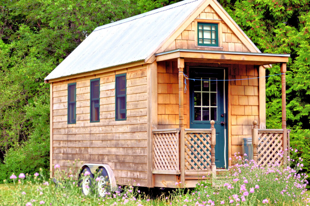 Decorate Tiny Home without Cluttering